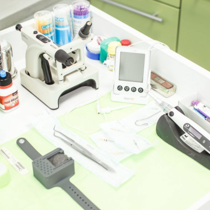 endodontie Paris Dental Clinic, stomatologie Cluj, dental clinic Cluj
